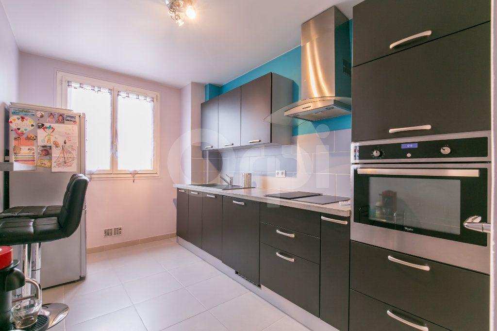 Appartement à vendre 3 69.86m2 à Saint-Maur-des-Fossés vignette-9