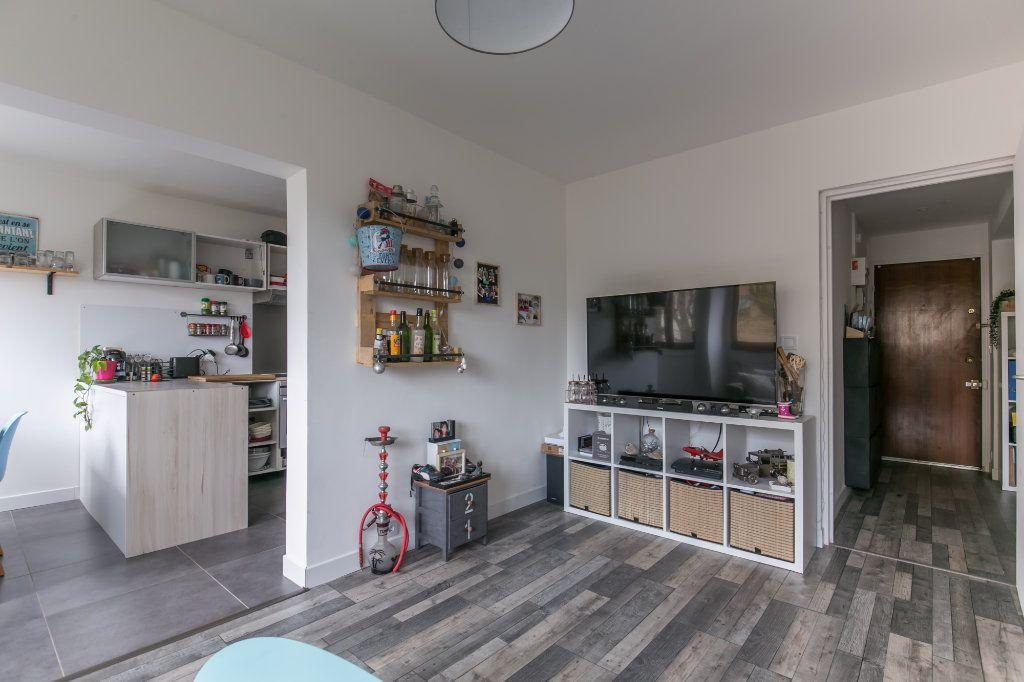Appartement à vendre 3 61m2 à Chennevières-sur-Marne vignette-1