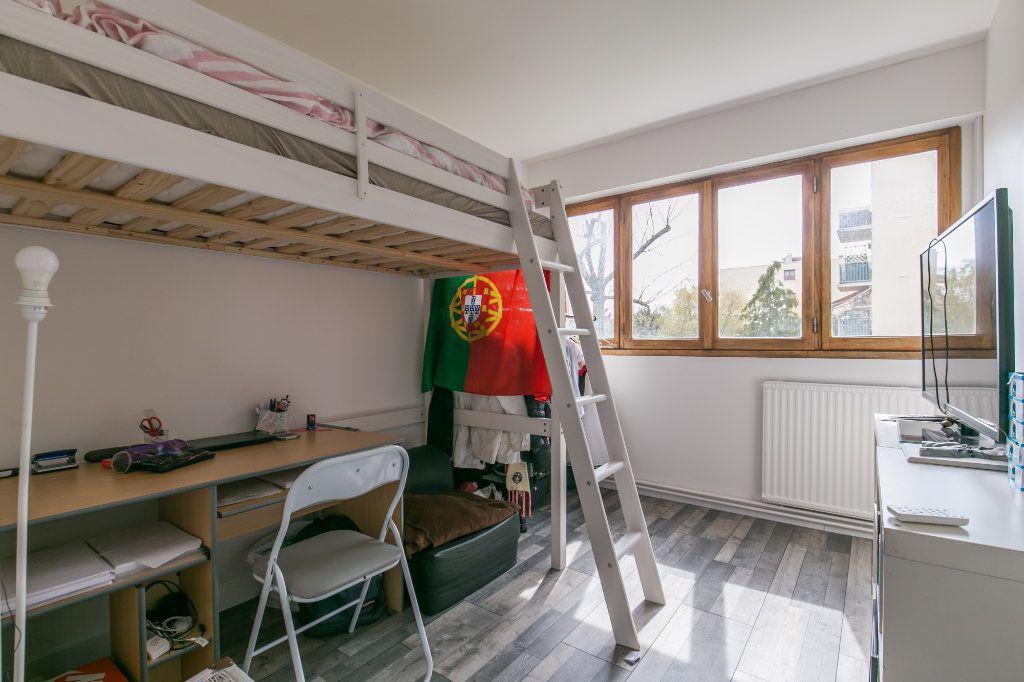 Appartement à vendre 3 61m2 à Chennevières-sur-Marne vignette-3