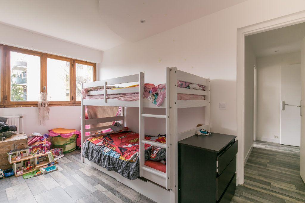 Appartement à vendre 3 61m2 à Chennevières-sur-Marne vignette-4
