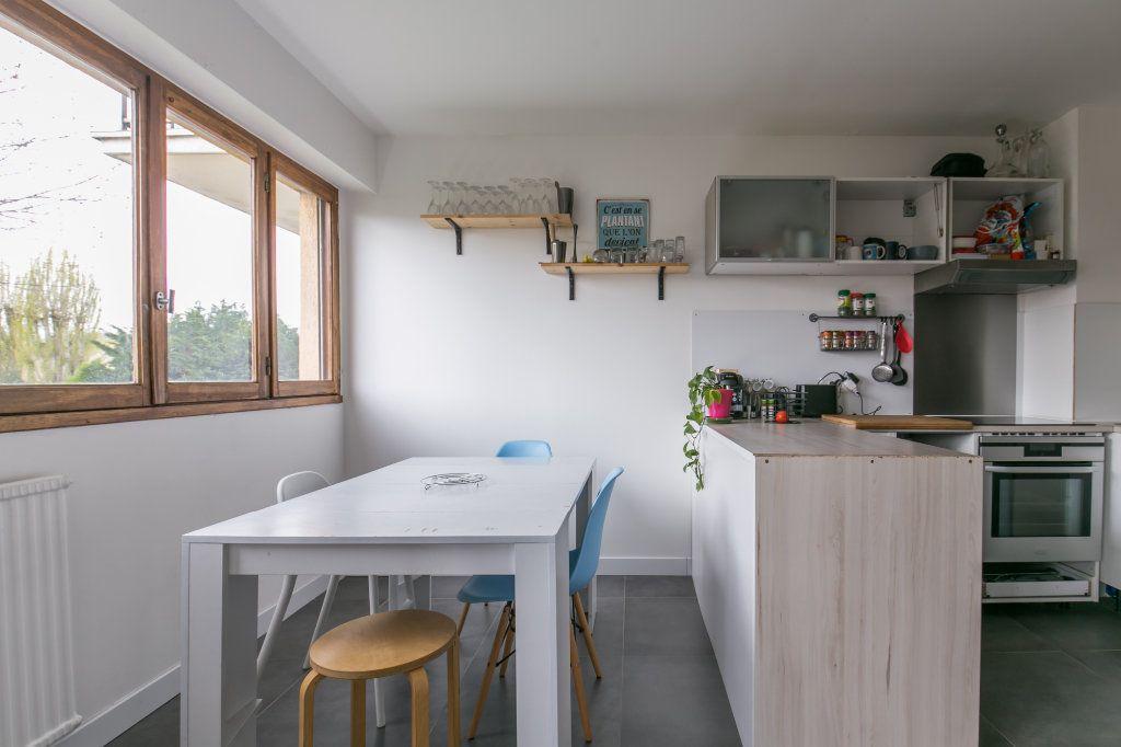 Appartement à vendre 3 61m2 à Chennevières-sur-Marne vignette-6