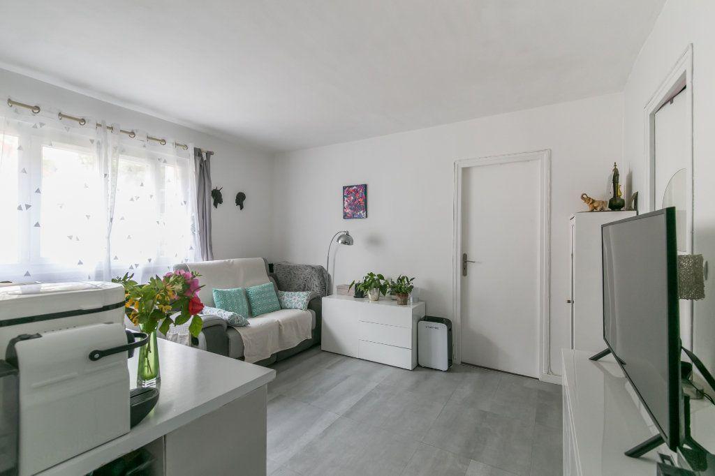 Appartement à vendre 2 32m2 à Saint-Maur-des-Fossés vignette-1