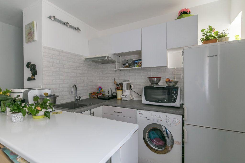 Appartement à vendre 2 32m2 à Saint-Maur-des-Fossés vignette-2