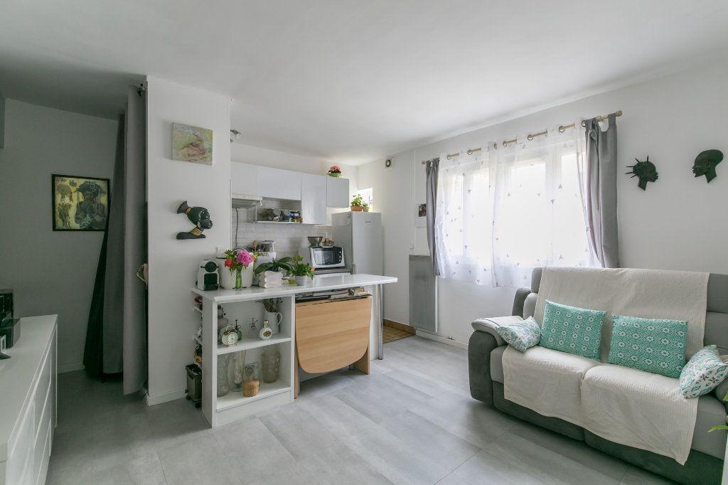 Appartement à vendre 2 32m2 à Saint-Maur-des-Fossés vignette-5