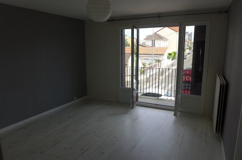 Appartement à louer 2 44m2 à Montreuil vignette-3