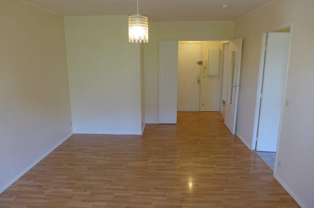 Appartement à louer 2 45m2 à Rosny-sous-Bois vignette-1