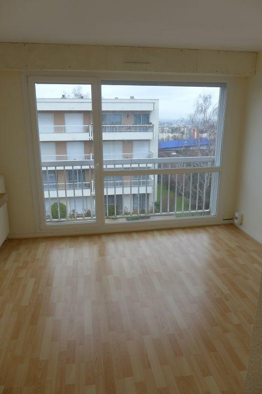 Appartement à louer 1 17.22m2 à Noisy-le-Sec vignette-1