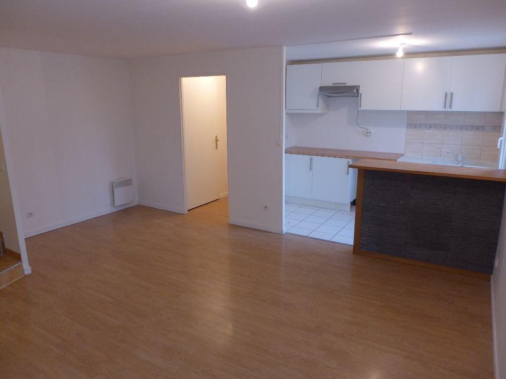 Appartement à vendre 4 83.12m2 à Rosny-sous-Bois vignette-3