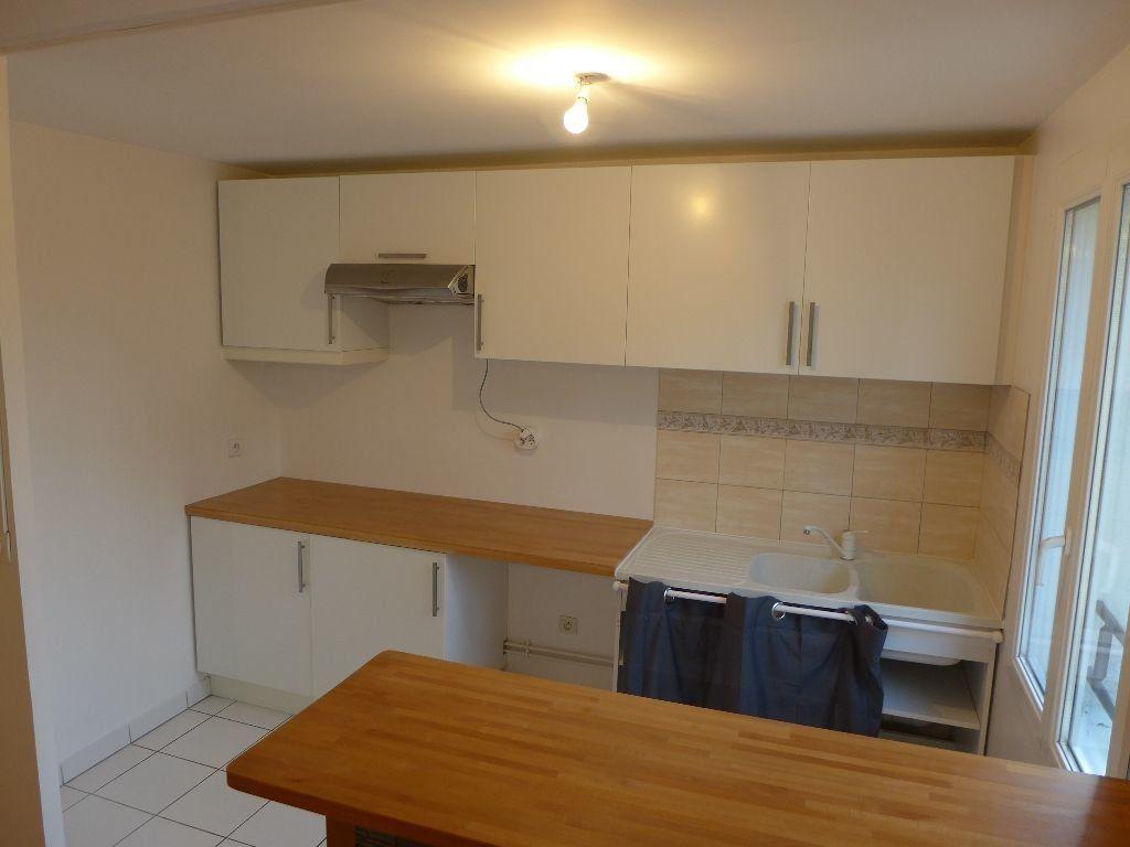 Appartement à vendre 4 83.12m2 à Rosny-sous-Bois vignette-4