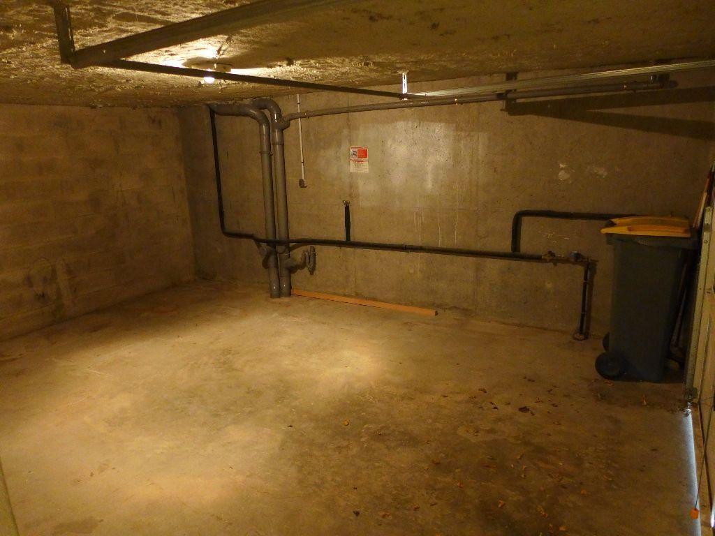 Appartement à vendre 4 83.12m2 à Rosny-sous-Bois vignette-12