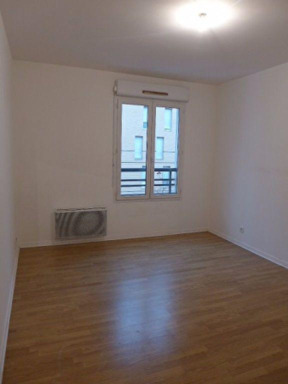 Appartement à louer 2 41.19m2 à Rosny-sous-Bois vignette-4