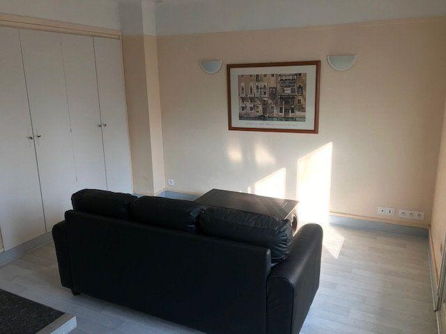 Appartement à louer 2 37.02m2 à Montreuil vignette-1