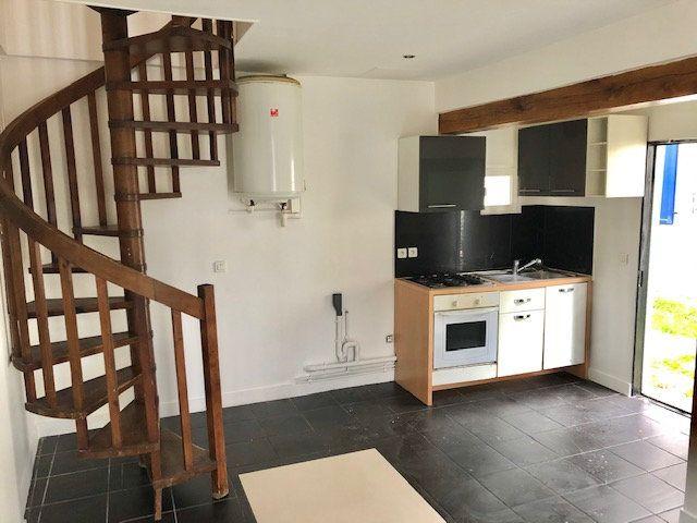 Appartement à louer 2 34m2 à Neuilly-Plaisance vignette-4