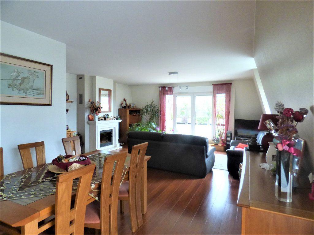 Appartement à vendre 5 104m2 à Livry-Gargan vignette-3
