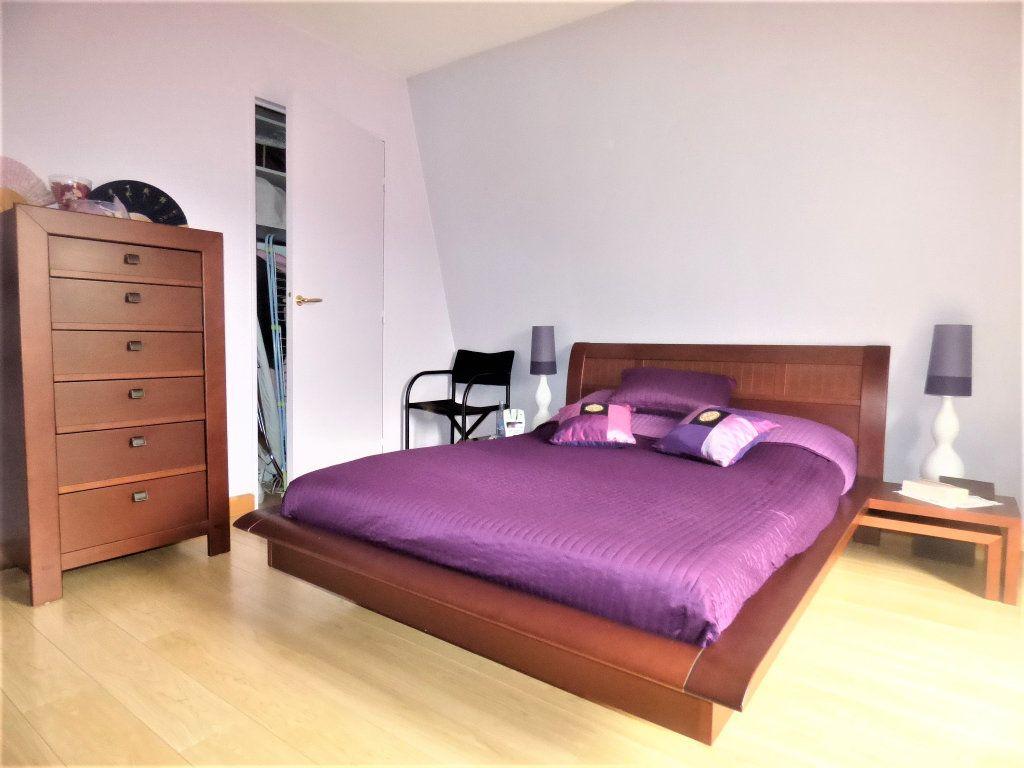 Appartement à vendre 5 104m2 à Livry-Gargan vignette-9
