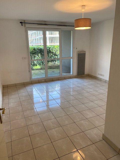 Appartement à louer 1 27.91m2 à Rosny-sous-Bois vignette-2