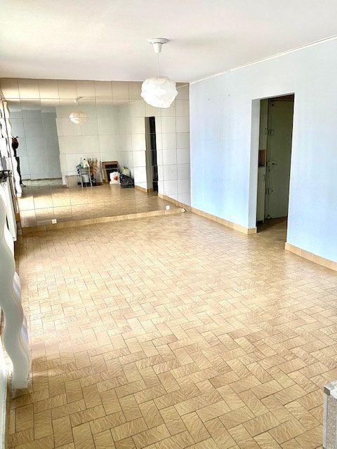 Appartement à louer 5 86.87m2 à Rosny-sous-Bois vignette-1