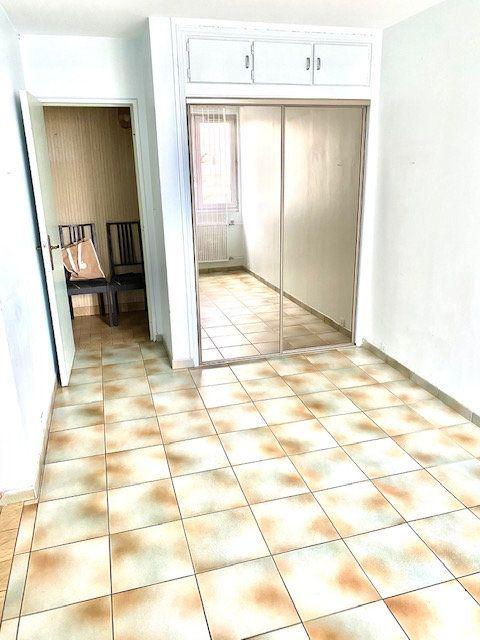 Appartement à louer 5 86.87m2 à Rosny-sous-Bois vignette-3