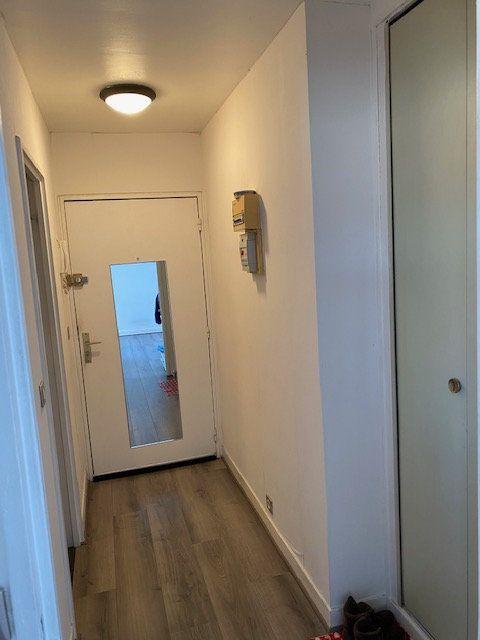 Appartement à louer 1 27.38m2 à Rosny-sous-Bois vignette-2