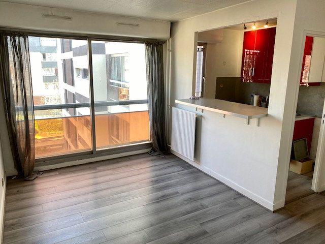 Appartement à louer 1 27.38m2 à Rosny-sous-Bois vignette-9