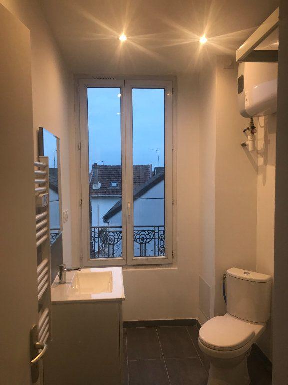 Appartement à louer 2 28.17m2 à Bondy vignette-3
