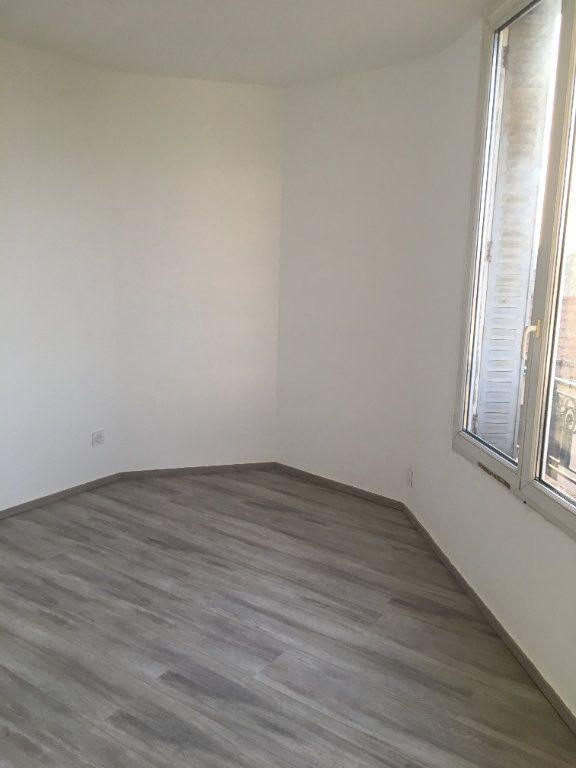 Appartement à louer 2 28.17m2 à Bondy vignette-6