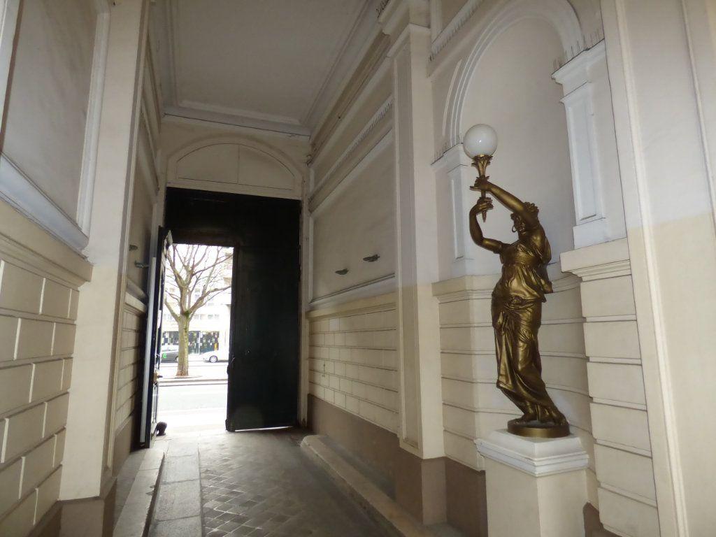 Appartement à vendre 1 13.15m2 à Paris 19 vignette-6