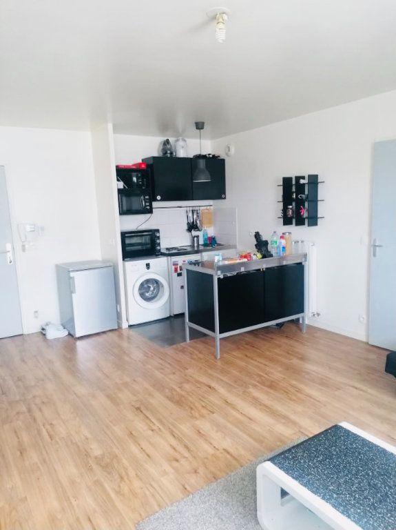 Appartement à louer 1 31.93m2 à Rosny-sous-Bois vignette-2