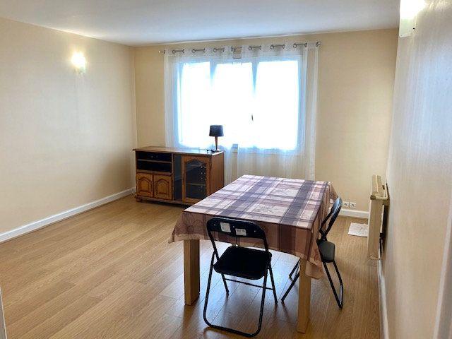 Appartement à louer 3 60.48m2 à Rosny-sous-Bois vignette-2