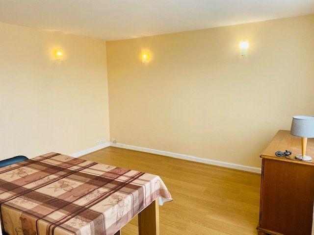 Appartement à louer 3 60.48m2 à Rosny-sous-Bois vignette-3