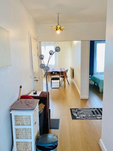 Appartement à louer 3 60.48m2 à Rosny-sous-Bois vignette-6