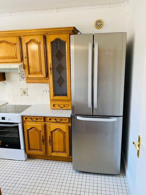 Appartement à louer 3 60.48m2 à Rosny-sous-Bois vignette-7