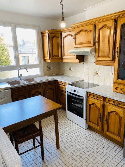 Appartement à louer 3 60.48m2 à Rosny-sous-Bois vignette-8