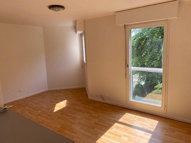 Appartement à louer 1 25.52m2 à Rosny-sous-Bois vignette-3
