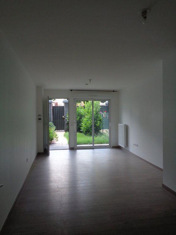 Appartement à louer 1 29.7m2 à Neuilly-Plaisance vignette-5
