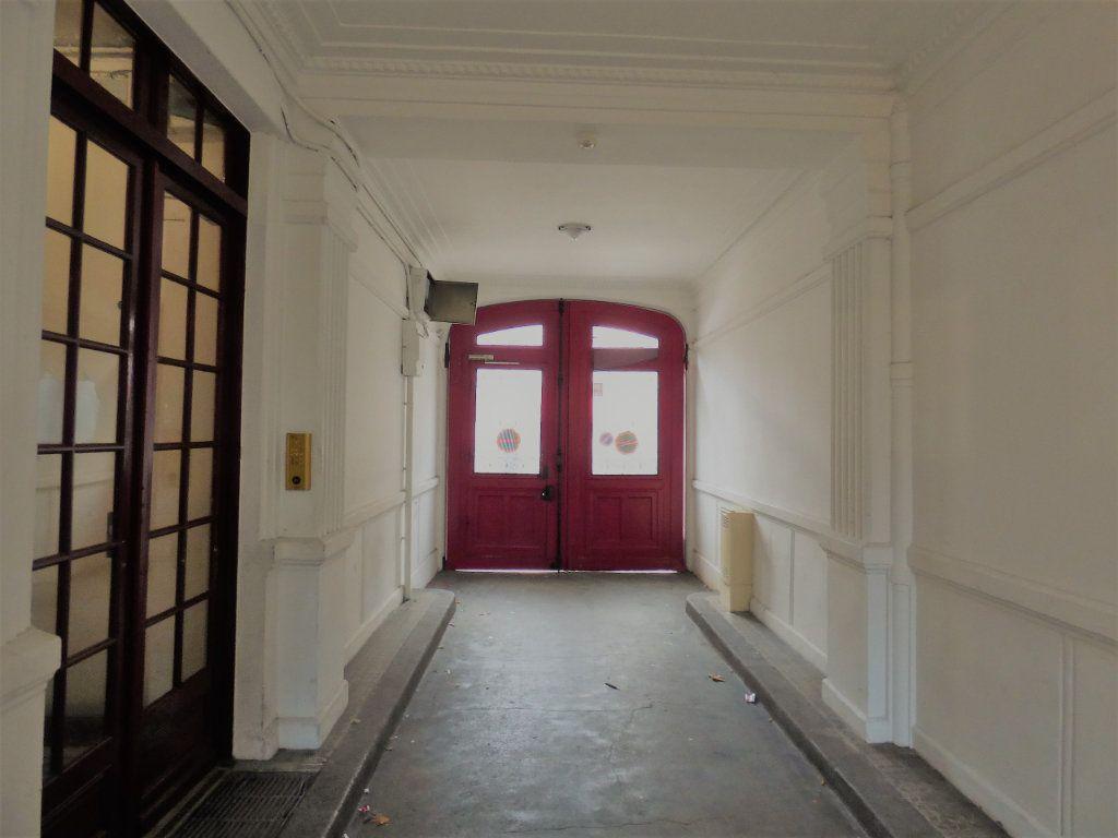Appartement à vendre 1 10.18m2 à Pantin vignette-2