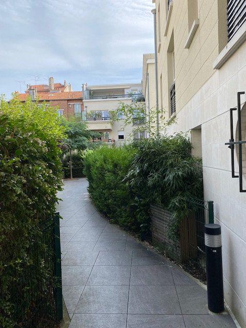 Appartement à louer 1 28.59m2 à Nogent-sur-Marne vignette-2