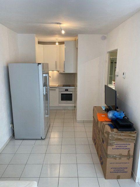 Appartement à louer 1 28.59m2 à Nogent-sur-Marne vignette-11