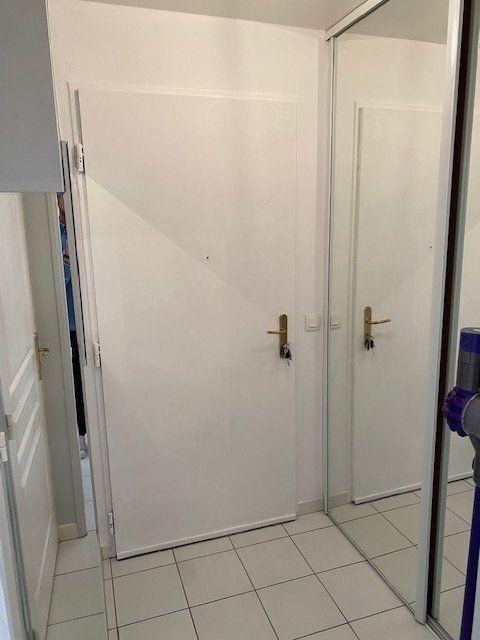 Appartement à louer 1 28.59m2 à Nogent-sur-Marne vignette-12