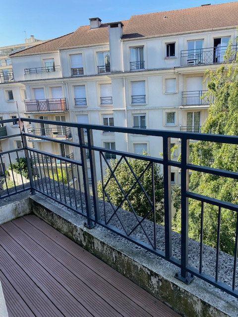 Appartement à louer 3 61.95m2 à Rosny-sous-Bois vignette-7