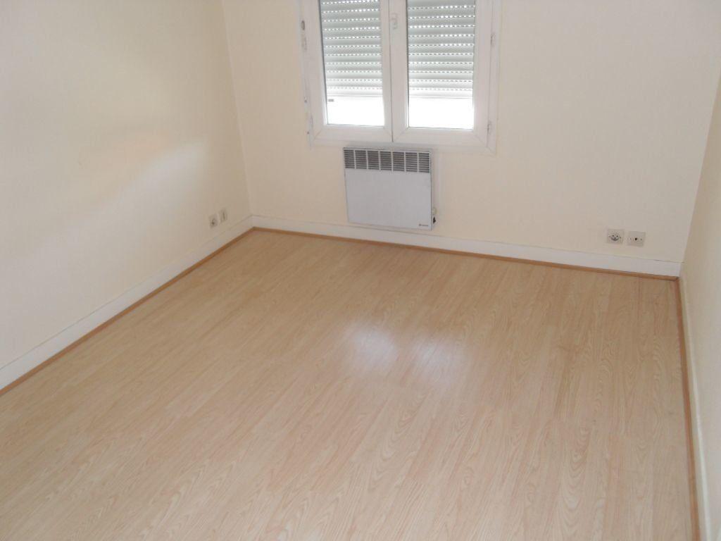 Appartement à louer 2 39.37m2 à Ozoir-la-Ferrière vignette-3