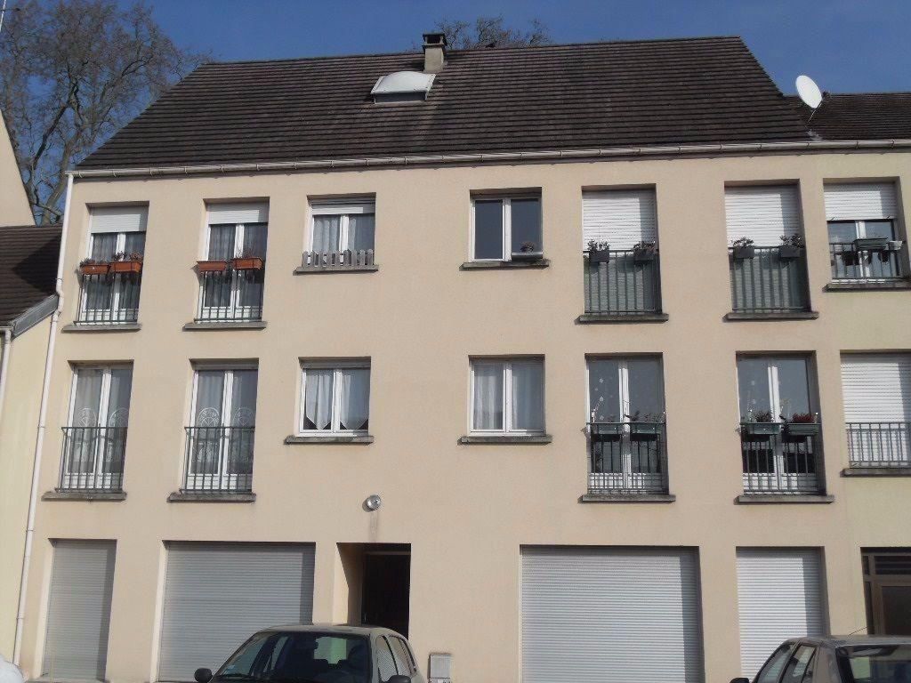 Appartement à louer 3 50m2 à Ozoir-la-Ferrière vignette-1