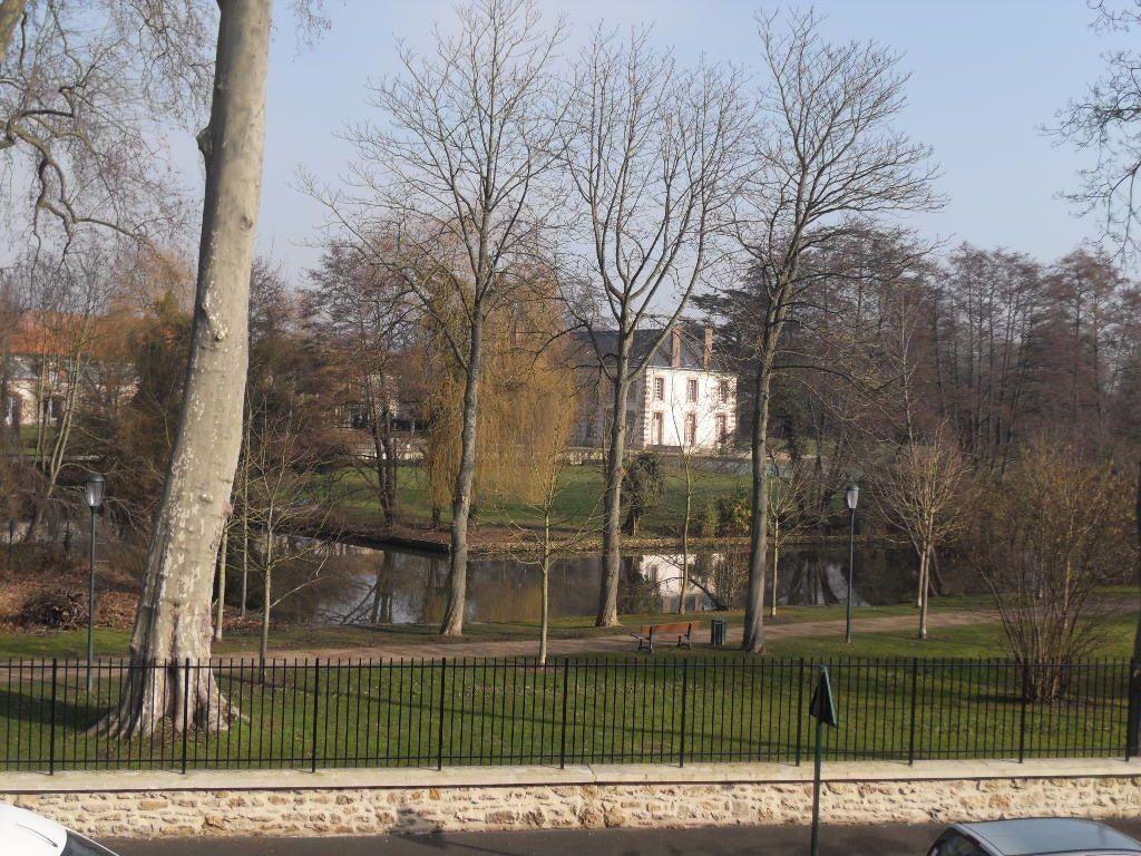 Appartement à louer 3 50m2 à Ozoir-la-Ferrière vignette-2