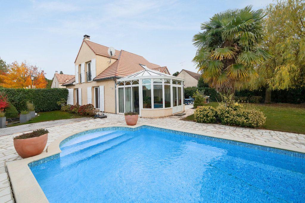Maison à vendre 8 190m2 à Ozoir-la-Ferrière vignette-1