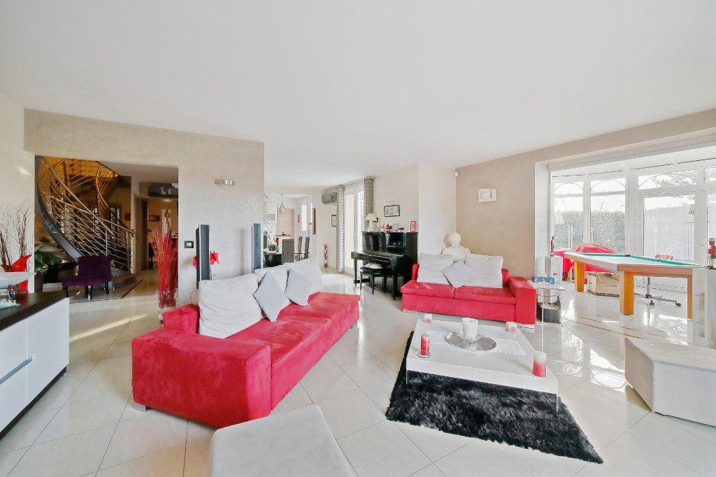 Maison à vendre 8 190m2 à Ozoir-la-Ferrière vignette-2