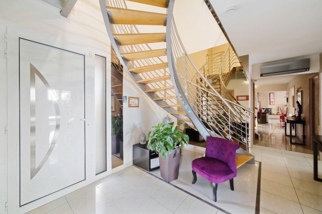 Maison à vendre 8 190m2 à Ozoir-la-Ferrière vignette-3