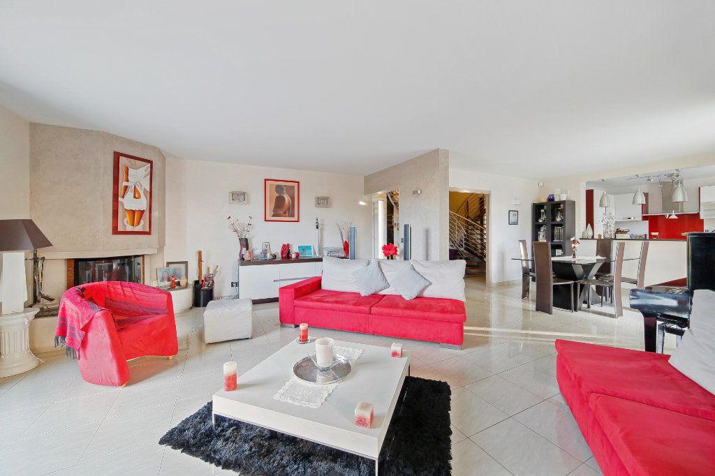 Maison à vendre 8 190m2 à Ozoir-la-Ferrière vignette-4
