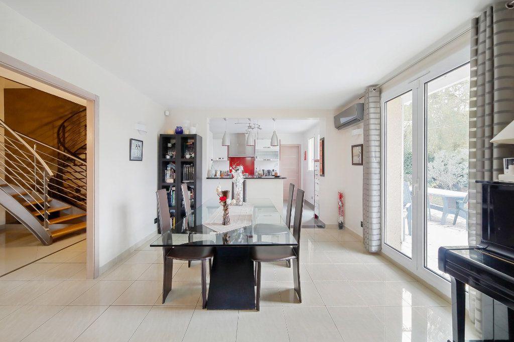 Maison à vendre 8 190m2 à Ozoir-la-Ferrière vignette-5