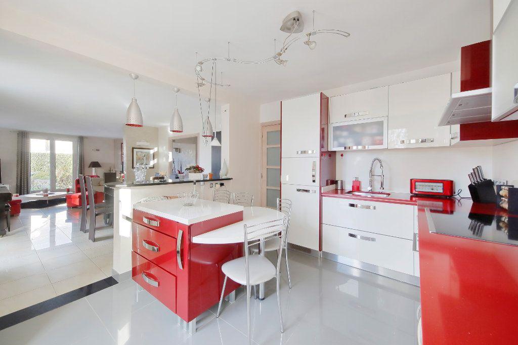 Maison à vendre 8 190m2 à Ozoir-la-Ferrière vignette-6