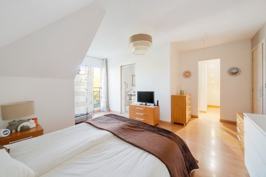 Maison à vendre 8 190m2 à Ozoir-la-Ferrière vignette-9
